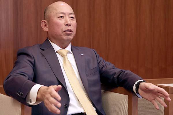 インタビューに応じる  中央自動車工業株式会社 代表取締役社長 坂田 信一郎 様