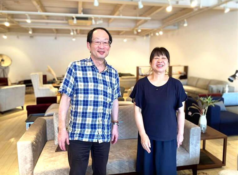 中村弘・眞理子ご夫妻。中村工芸のショールームにて